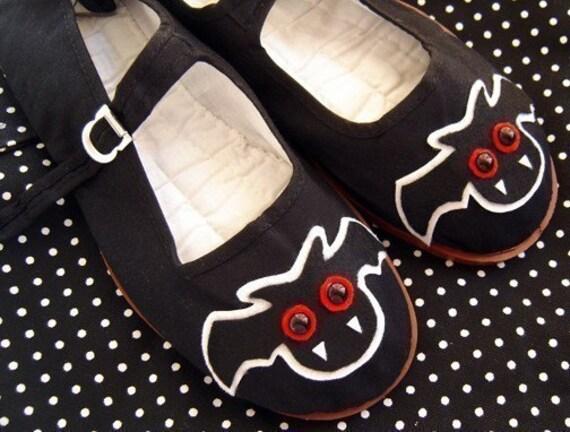 Black Bat Mary Jane Shoes - Size 7
