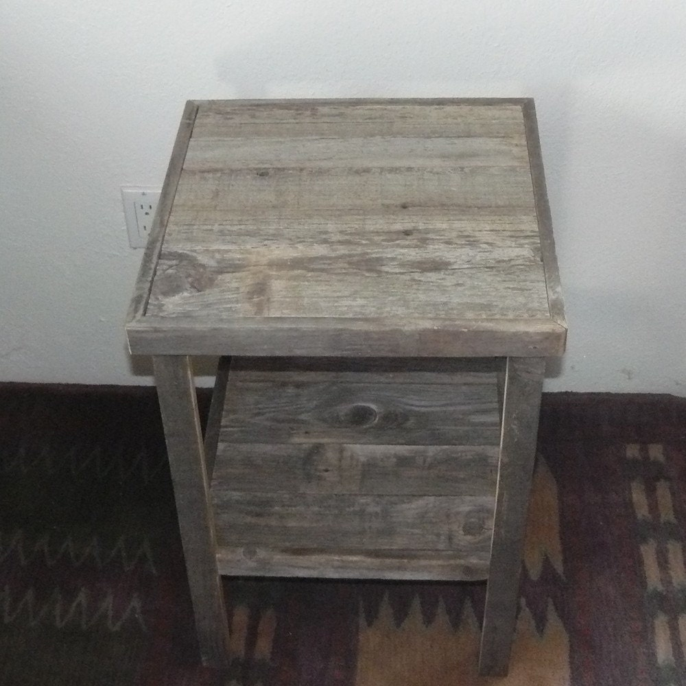 Barnwood Furniture End Table Primitive Decor