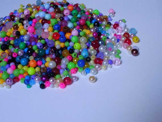 2 OUNCES of Bright Colored Rainbow Small Beads -for craft jewelry making kandi bracelets-