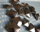 Silver Glass Pyramid Square Beads Large
