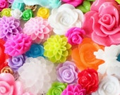 50 Resin Flower Mixed Bag of Cabochons Resin Chrysanthemum and an assortment of sizes, style and colors