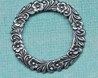 Round Silver Daisy Frame 1751