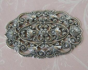 Ornate Oval Silver Filigree 577