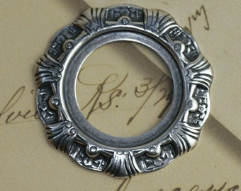 Round Scalloped Silver Frame 1266