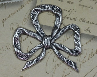 Large Silver Sweetheart Bow Finding 1582