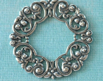 Silver Filigree Wreath 2625