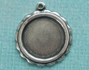 Silver Round Bezel Frame 2557
