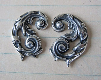 2 Silver Scroll Repousse Corner Findings 2800