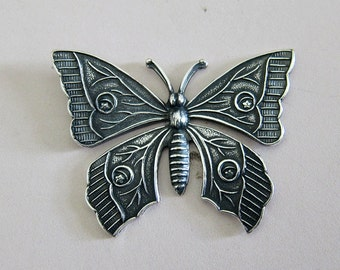 Silver Butterfly Finding 2916