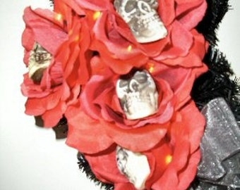 Halloween Wreath with Skulls - Dead Roses Lighted