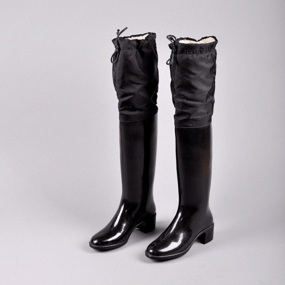 Vintage OVER THE KNEE RUBBER RAIN BOOTS US 7 / Europe 38 /