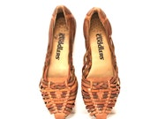 size 8 MULTICOLOR tan leather 80s HUARACHE slip on sandals