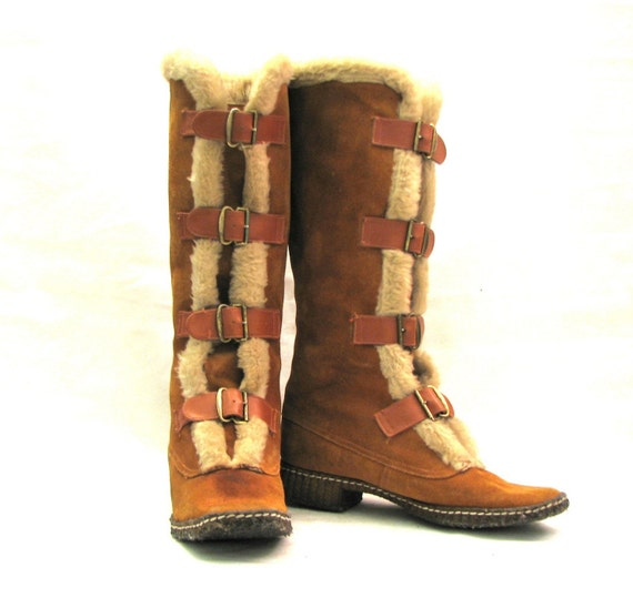 vintage cozy suede and fur lined buckle knee high 70s winter
