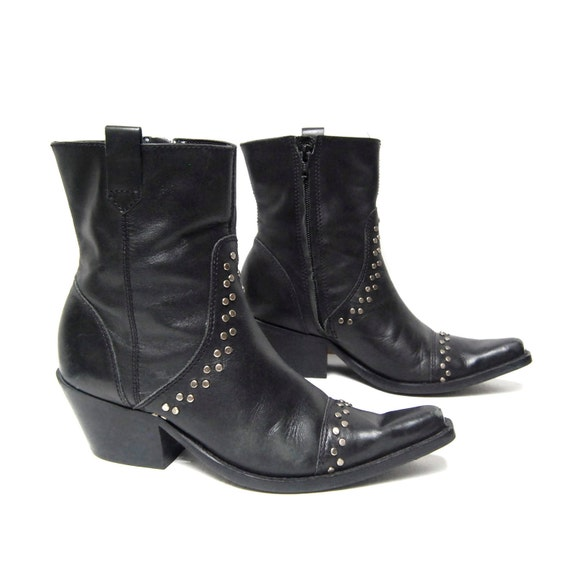 size 7 SOUTHWEST black leather 80s SILVER STUD zip up ankle boots