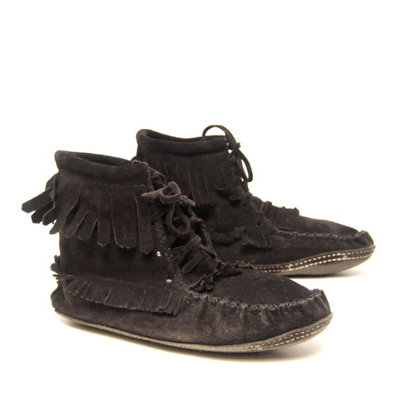 size 9.5 10 MOCCASIN black suede 70s 80s FRINGE lace up ankle booties