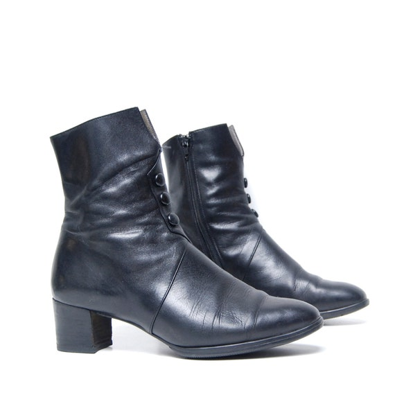 size 9 MINIMAL 80s black leather GOTH zip up ankle booties