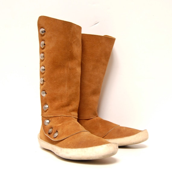 size 10 MOCCASIN tan leather 70s HANDMADE silver metal BUTTONS midcalf boots