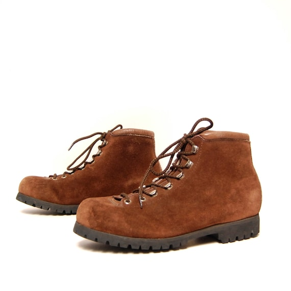 size 8 HIKING brown suede 60s 70s OUTDOORS lace up ITALY ankle boots