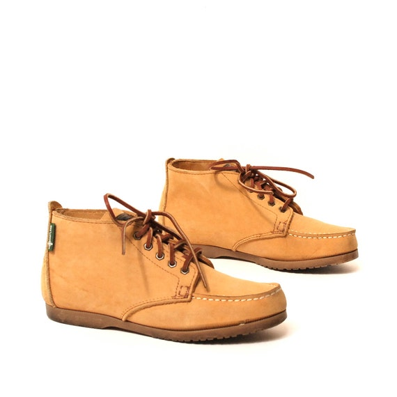size 8 CHUKKA tan leather 80s MOCCASIN lace up ankle boots