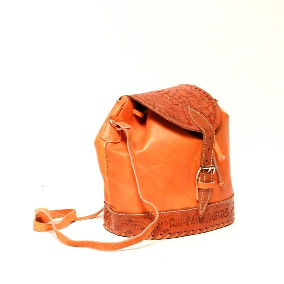 ORANGE leather 70s 80s NICARAGUAN hand-tooled purse