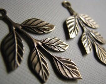 Textured brass leaf drops 36x23mm (2)