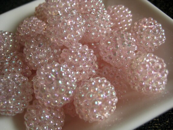 Vintage lucite berry beads - soft pink AB (6)