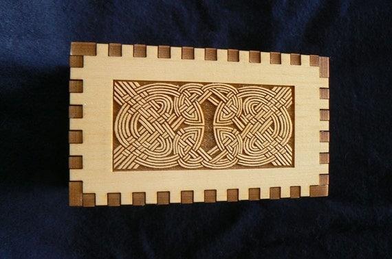 Celtic Double Strand Double Knot Yellow Cedar Box