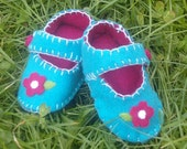 Baby Shoes - Flower / Girls Baby Booties - Blue Felt