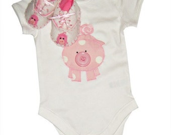 Pig Babygro and Baby Booties Giftset / Girls Bodysuit / All in One / Felt Shoes / New Baby - Pink