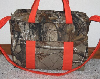 Real Tree Camo Diaper Bag w/change pad and matching travel wipe case  by EMIJANE