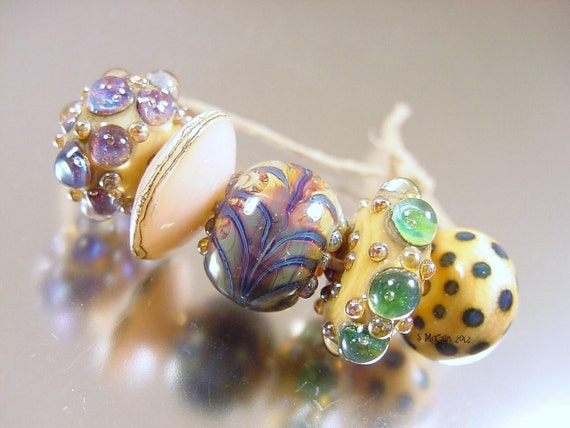 Handmade lampwork glass beads---RiDDLE Me THiS---SRA