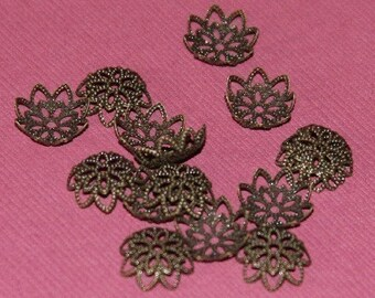 300 pcs of Antiqued  brass  filigree bead caps 12mm