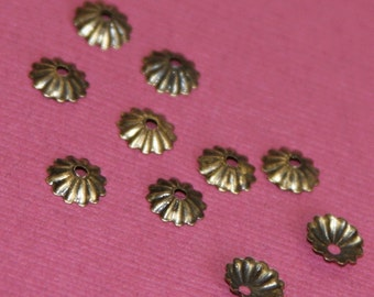 200 pcs of Antiqued brass ribbed beadcap  5.5mm