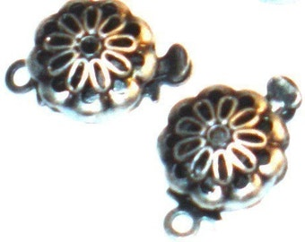 10pcs of Antiqued silver-plated flower shape clasp 9mm