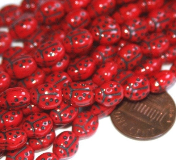10 pcs of Red Lady Bug glass beads 6X8.5mm