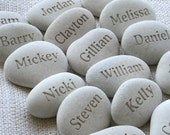 Place cards and party gifts - Party guests gift pebble - set of 10 engraved beach pebbles