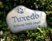 Custom engraved pet memorial stone - Pet loss gift
