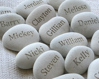 Place cards and party gifts - Party guests gift pebble - set of 10 personalized engraved name beach pebbles