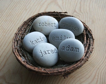 Mother's nest - Grandmother, mother gift - Set of 6 engraved name stones in family bird nest decor by sjEngraving