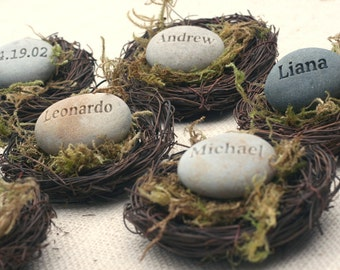 Personalized gift for party guests - Set of 10 favors and place cards - The Pebble Nest by sjEngraving