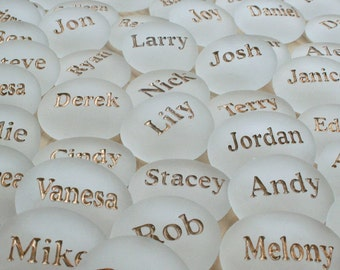 Personalized Wedding Favors with Guests' Names (Set of 30) - Engraved glass gem