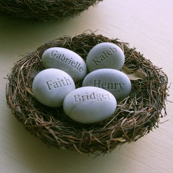 Mothers nest gift - set of 5 personalized engraved name eggs by sjEngraving