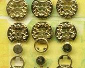 0407G Vintage Goldtone Button Clasp