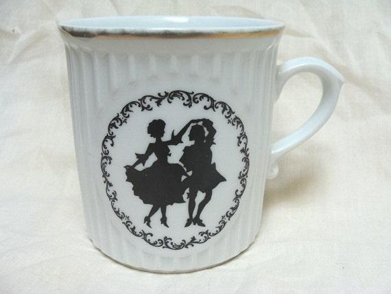 Vintage Silhouette Mug Couple Dancing