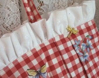 Purse\/Tote Bag Cottage Checks\/Sassy Reds
