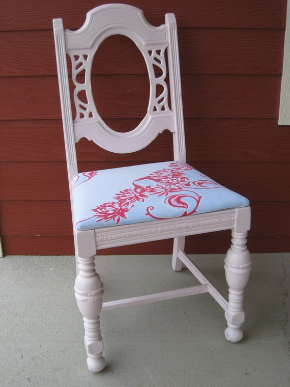 RESERVED Vintage Shabby Chic Chair Painted Pink w/ Vintage Tablecloth Seat (3736-W )