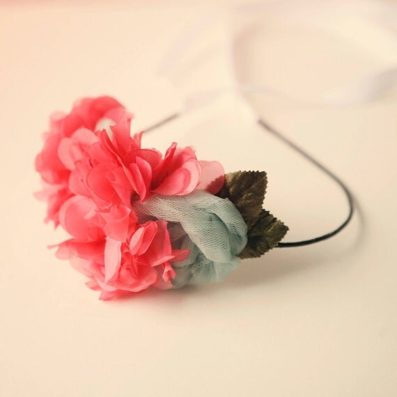 beautyfoodlife.blogspot.com,vintage flower hair band 'set fire to the rain'