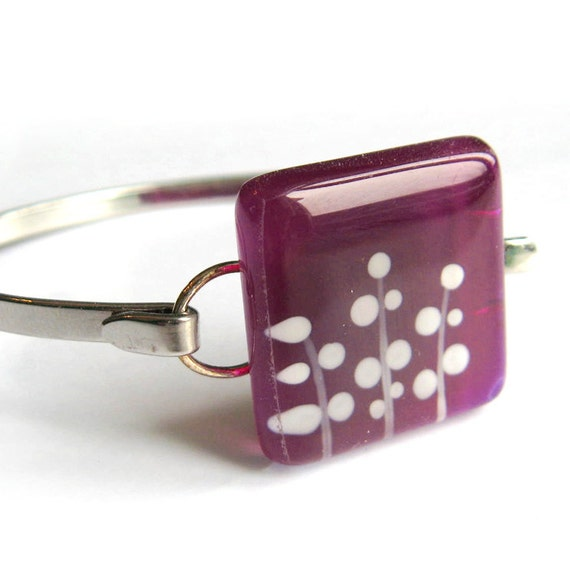 Fuschia foliage bracelet - hand painted glass -