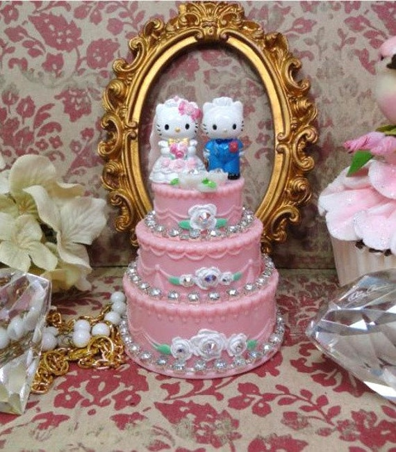 Bride Hello Kitty Wedding Cake Rhinestone Bling Sparkle