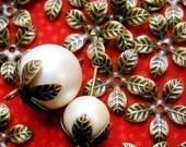 Leaf Bead Cap, Antique Brass, Flexible Leaf Beadcap, bronze leaf beadcap, bohemian finding, vintage style bead cap, leaf spacer